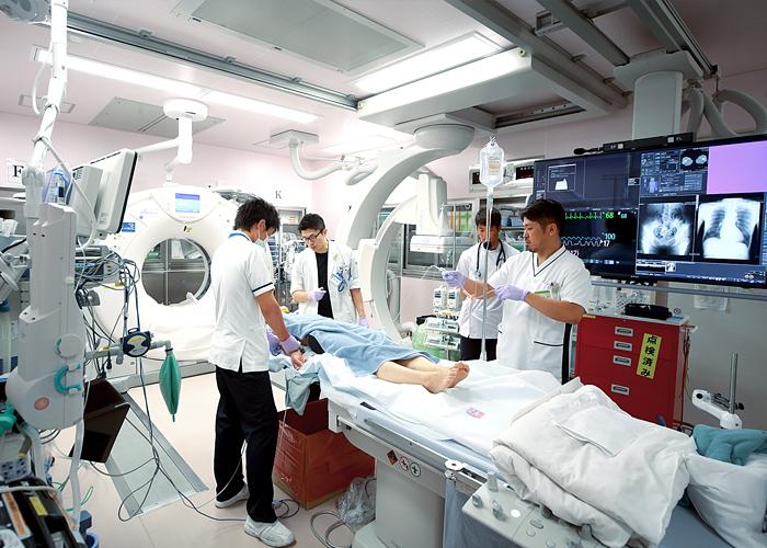 ハイブリッドER 自治医科大学附属さいたま医療センター